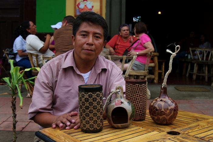 Evert Pavón et ses produits à Granada